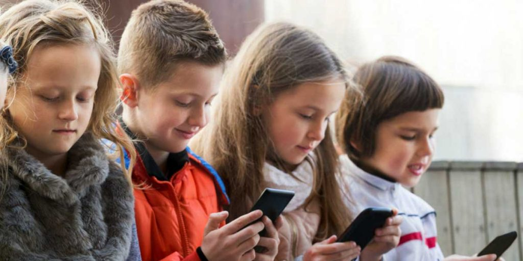 The Importance of Digital Detox for Kids & Strategies to Unplug