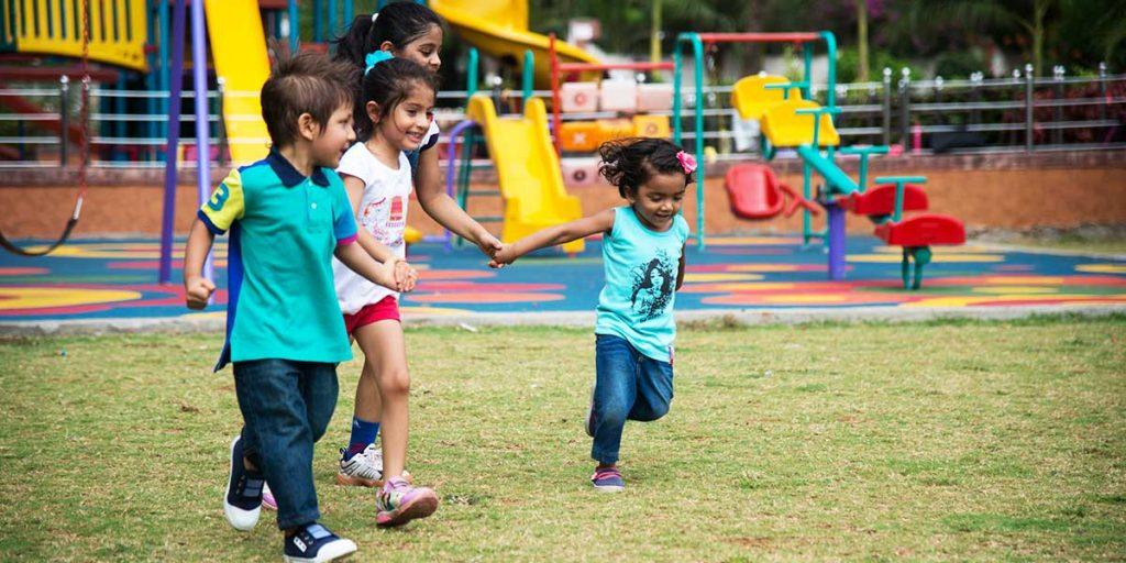 Why is it Important for My Child to Play Outside?